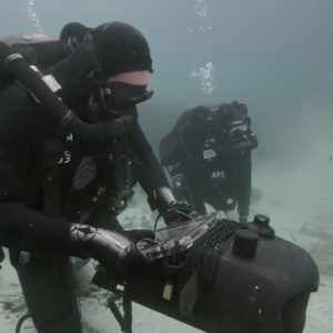 EOD clearance divers using Sonadive